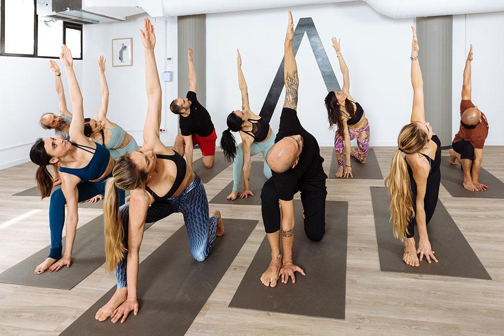 beneficios fisicos yoga