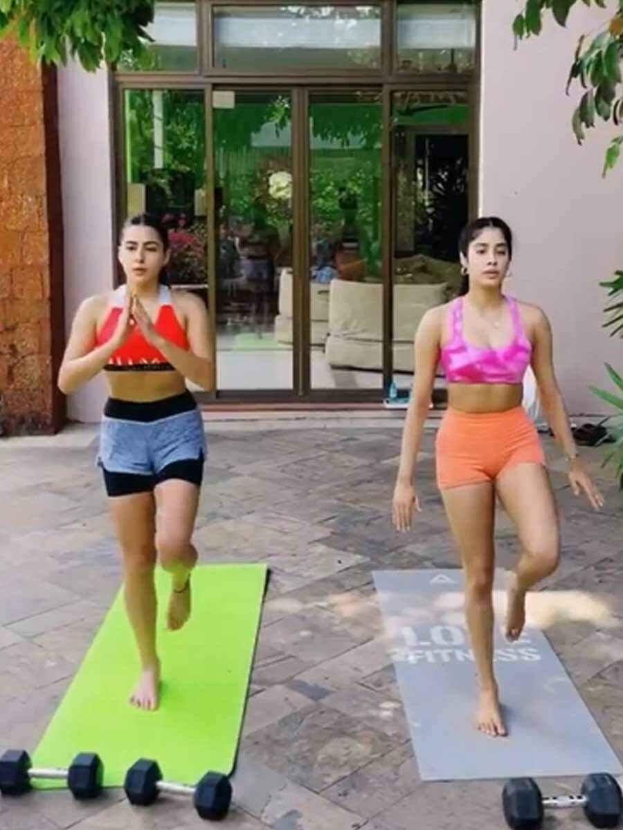 Sara Ali Khan y Janhvi Kapoor entrenan juntas 2